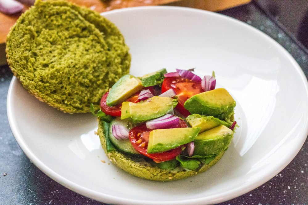 The Dutch Weed Burger DIY Review // Rosalie Ruardy #vegan #veganburger #review #foodblog #healthy