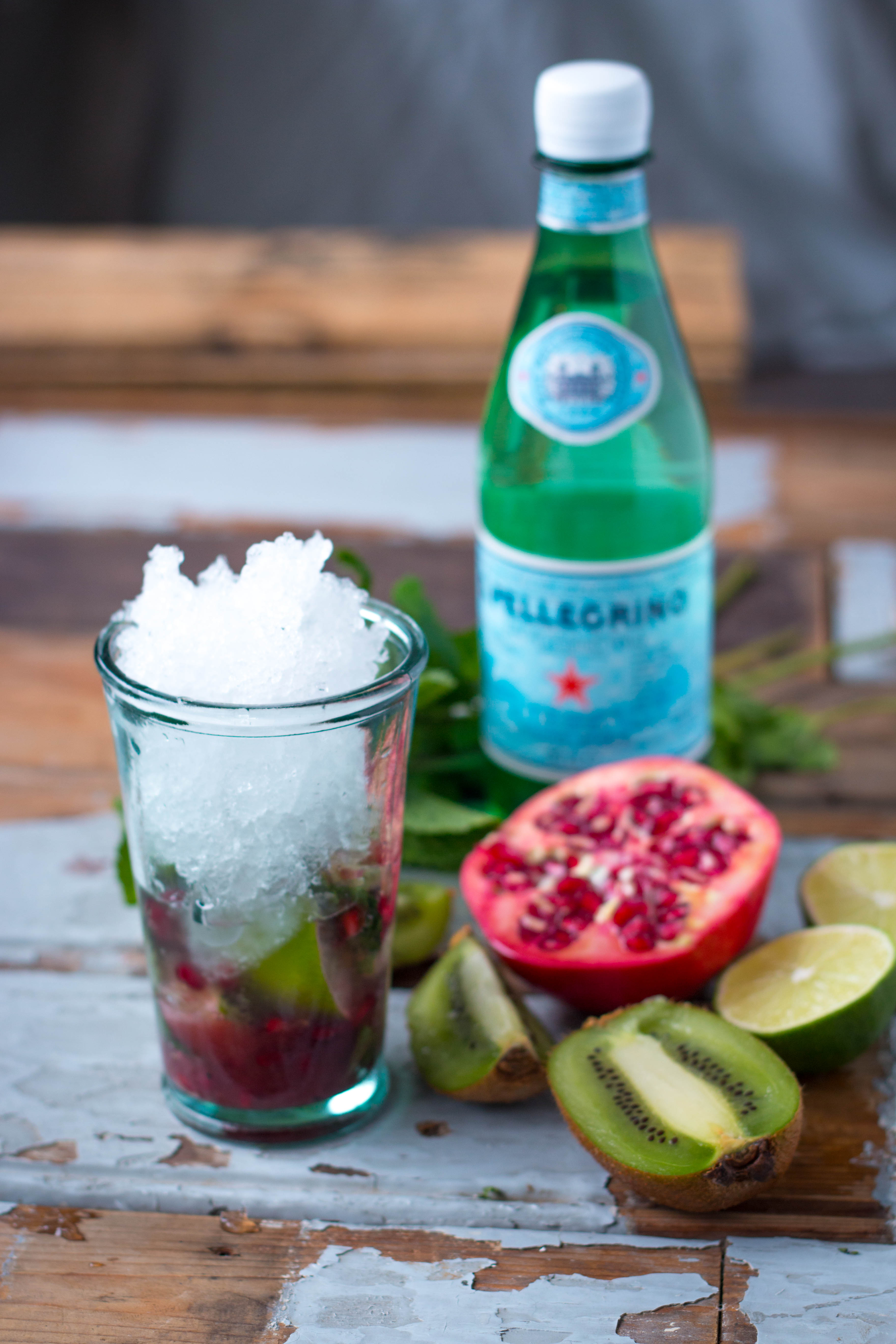 Kiwi Pomegranate Mojito Mocktail – ROSALIERUARDY.COM ♡ FOOD ...