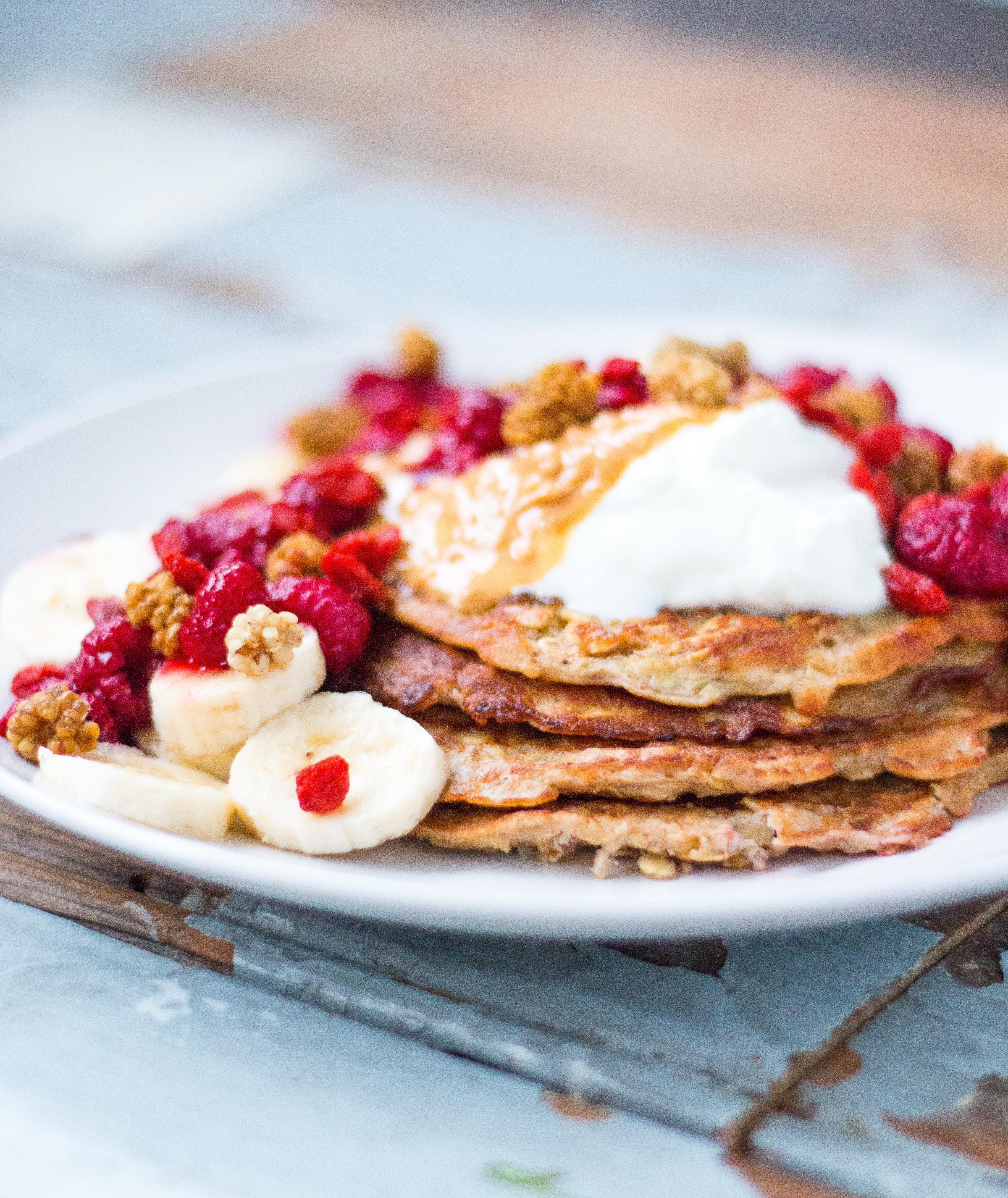 Banana Peanutbutter Pancakes // Rosalie Ruardy