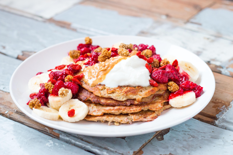 Healthy Banana Pancakes // Rosalie Ruardy