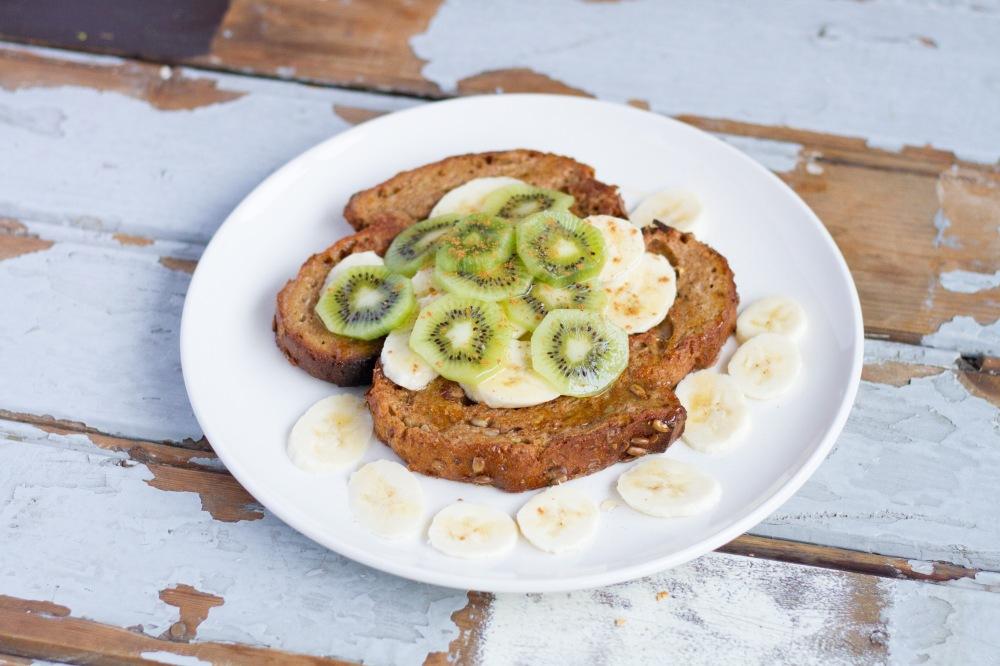 Wentelteefjes met banaan en kiwi