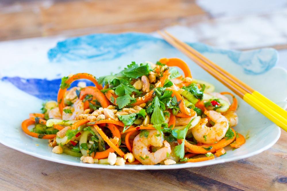 Pad Thai met komkommer 'noedels'
